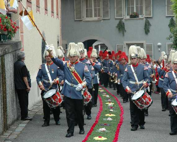 Tradition am Ort : Fronleichnam   Sipplingen