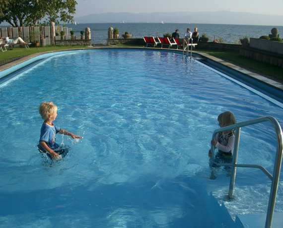 Beheizter Outdoor-Pool Langenargen am Bodensee